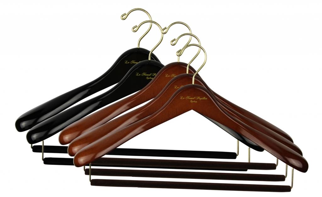 Плечики для верхней одежды деревянные