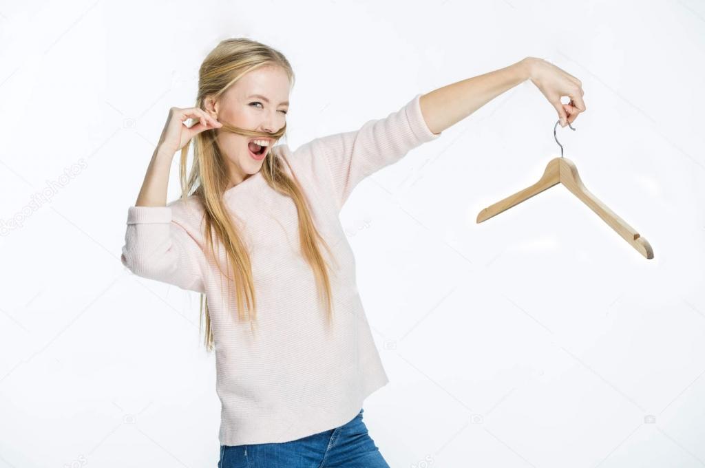 Купить плечики из дерева или не купить?